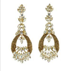 Jewelry - Classy gold chandelier dangling earrings
